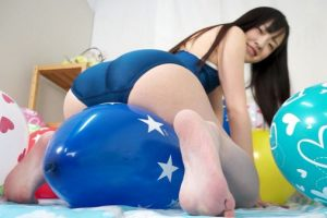 宮沢ゆかりの風船ワールド ロリ美少女が全裸でオナニー