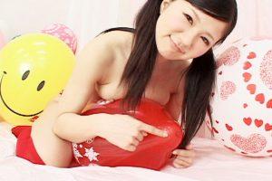 滝沢レモンちゃんのご奉仕がたまらん あらゆる風船プレイを体感できるフェチ動画